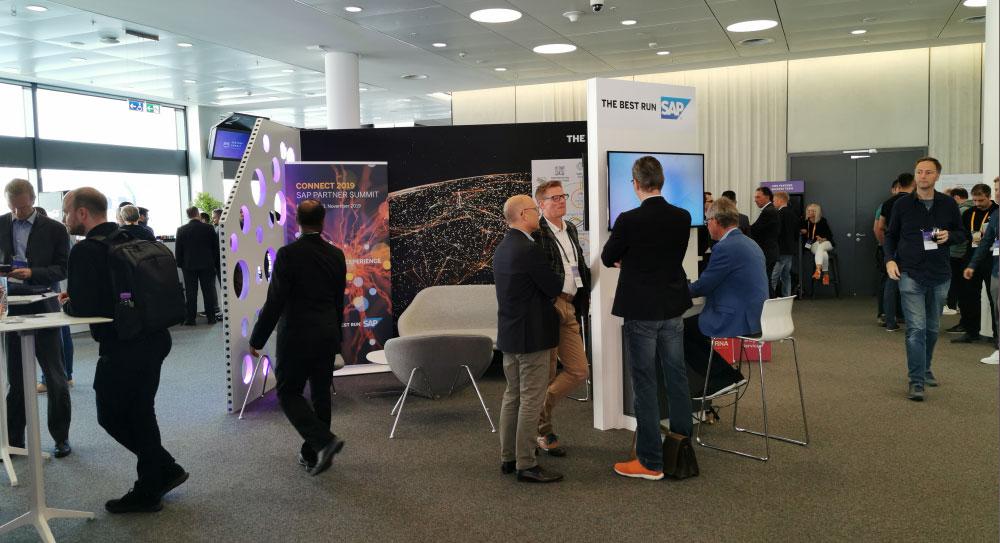 SAP Stand - AWS Summit Frankfurt - AWS Summit 2019 in Frankfurt am Main - Konferenz - Stände