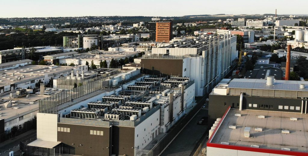 Interxion Frankfurt - DE-CIX - Digital Realty Frankfurt - Luftbild Rechenzentren - Luftaufnahme Rechenzentrum - Cloudanbieter - AWS - Google - Azure